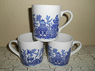 3 Blue Willow Mugs Cups Thanksgiving England Blue White