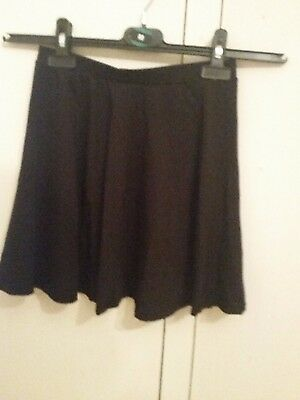 New Look Girls Black skater skirt. size 9 years. very good condition