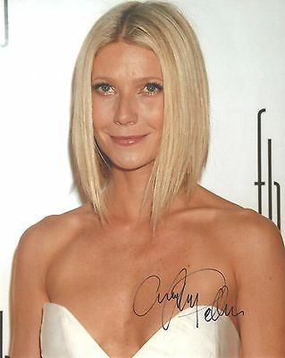 Genuine Personally Hand Signed 10x8 Photo of Gwyneth Paltrow (COA Incl)