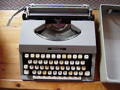 Imperial Vintage Signet Portable Typewriter And Case Vgc