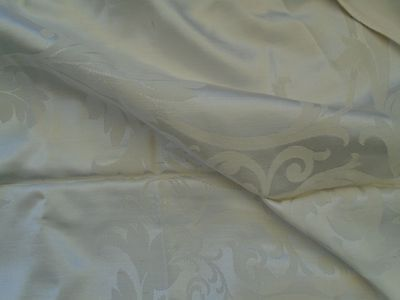 Vintage Damask Sateen Large Tablecloth Excellent Condition