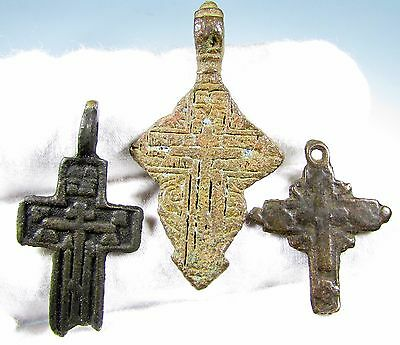 Superb Lot Of 3 Late / Post Medieval Bronze Cross Pendants - 1975