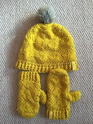 Gorgeous Girls Ted Baker Bobble Hat & Mittens, age 7-10