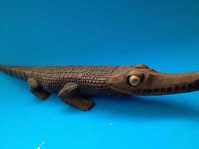 CROCODILE 1960's PNG Hand Carved Wooden - Shell Eyes - Great Detail  & Condition