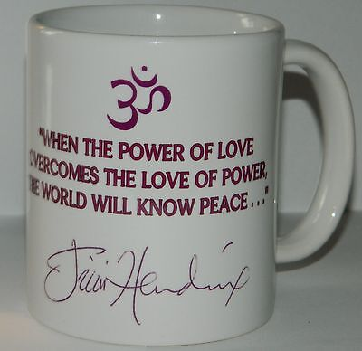 JIMI HENDRIX - 11oz MUG FEATURING 'POWER OF LOVE' QUOTE & STUNNING PHOTOGRAPH
