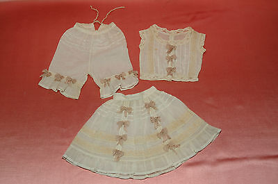 Beautiful vintage underwear set 3 pieces  for French and German dolls