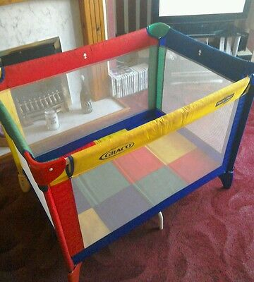 Graco childrens play pen