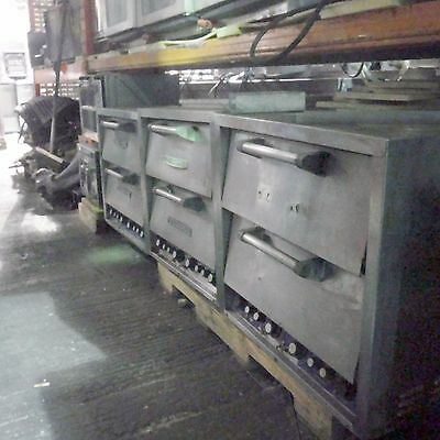 BAKERS PRIDE TWIN DECK DP2 ELECTRIC OVEN used