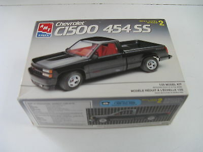 1:25 AMT/ERTL Chevrolet C-1500 454 SS  6032 not complete maybe best for parts