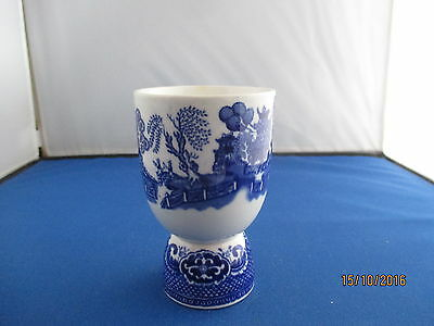 Unusual Vintage Blue & white Duck or chicken Egg cup (my ref /42)
