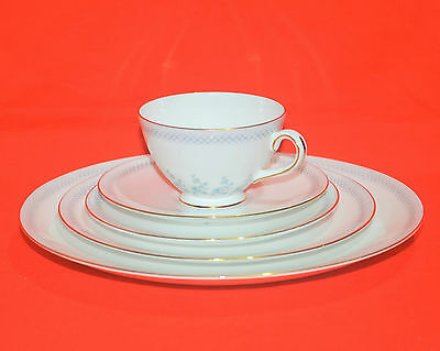 Tuscan Fine English Bone China Caprice, 5 Piece Place Setting Made in England