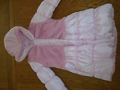 BNWT girls pink padded winter coat.Furry detail. Fleece lined.2-3 yrs. Matalan