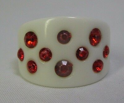 Vintage Opaque Milky White Lucite Ring With Red Rhinestones - Size 7.25