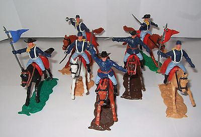Timpo 7th Cavalry/Union x 7 Mounted Red & Blue flags