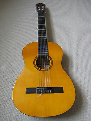 Three quarter ¾ classical Spanish guitar and soft cover. Excellent condition