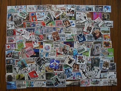 Stamps Gb -160 Different Used Q E Ii Stamps, Mainly Commemoratives & Off Paper