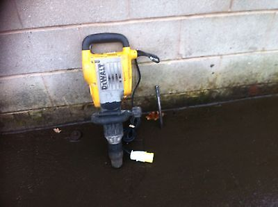 Dewalt Breaker 110v Concrete Breaker Demolition Hammer SDS Max Gwo