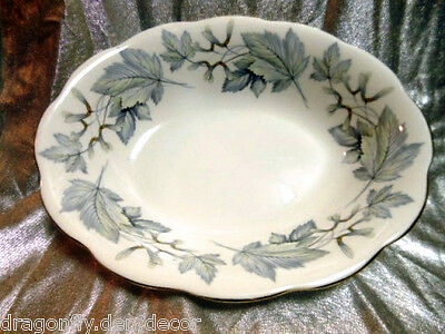 "ROYAL ALBERT - FINE CHINA ENGLAND Oval Serving Vegetable 9"" - ""SILVER MAPLE"""