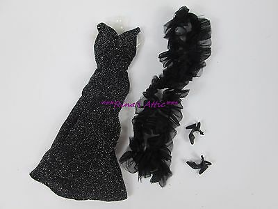 Reproduction SUPERSTAR Barbie DRAMATIC BLACK & SILVER SHIMMER Dress Gown 9837