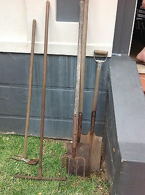 BULK estate vintage Garden Tools, Shovels, Hoe And Rake.