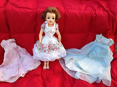 Vintage Ideal Miss Revlon Doll Vt-18 Brown Hair + 3 Dresses Beautiful