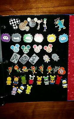 LARGE LOT Disney Collectible Trading Pins in Collector Book. MANY SETS /Rare