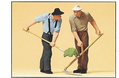 Farmers with Sense and Fork Preiser 63053 1 gauge Scale 1:32 Accessorie