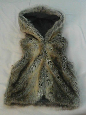 GIRLS NEXT GILET  Fluffy Faux Fur with hood : Size Age 7