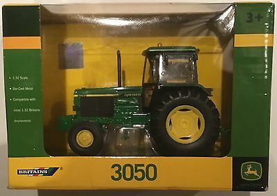Britains 42902 John Deere 3050 Tractor  1/32 Scale Diecast Model New & Boxed
