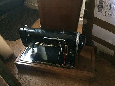 Vintage Harris sewing machine Automatic Electric Untested Display Parts