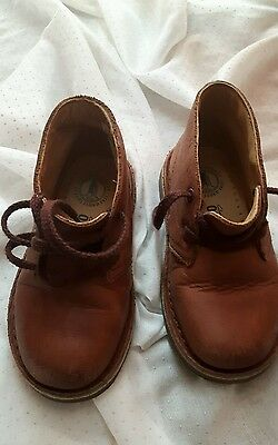 Gorgeous Boys Clarks Leather Brown Shoes size 7G