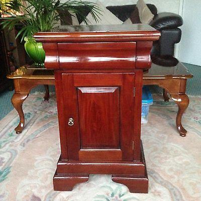 Louis Philippe Sleigh Style 1 drawer Bedside Table / Cabinet Traditional