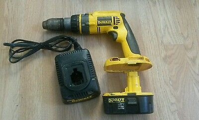 DeWALT DC989 18v CORDLESS hammer DRILL with battery and charger