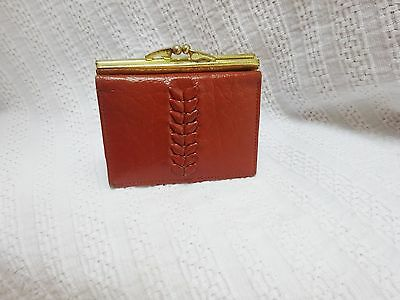 """Vintage Leather Tan 70s Clip Purse Small 5 X 3.5"""" Chic Hippie"""