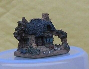 Collectable Miniature House / Cottage. Good condition