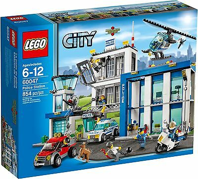 LEGO City 60047 - Police Station *NEW AND SEALED*