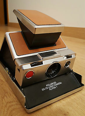 Polaroid SX-70 alpha 1 + ever ready case  camera vintage TESTED & WORKING
