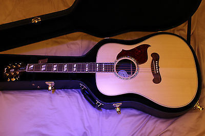 Gibson 2017 Songwriter Studio Electro Acoustic Guitar