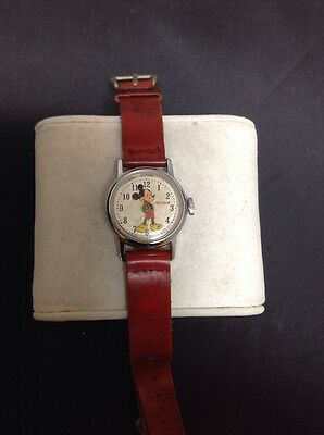 Vintage MICKEY MOUSE Collector's Windup Watch