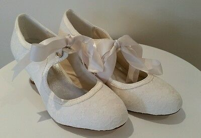 Vintage lace and satin wedding shoes size 35