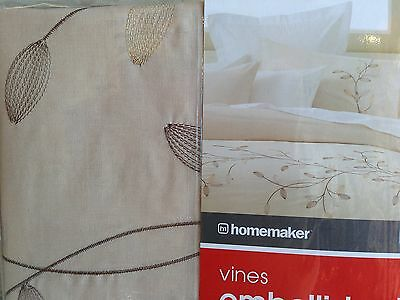 quilt cover set (king size) quilt and  2 pillow cases BNIB