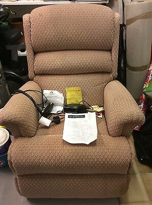 Electric Recliner Chair **£900 NEW**