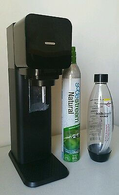Soda Stream Drink Maker Black New With 60L CO2 Carbonator And Reusable Bottle