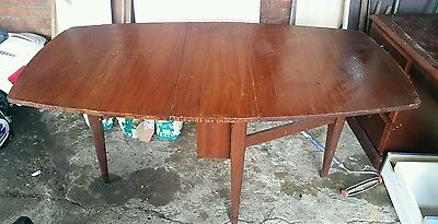 Vintage FOLDING STYLE DROP LEAF DINING / KITCHEN TABLE