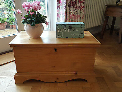 Vintage Pine Chest Storage Box Christmas Present Tv Stand Unit Coffee Side Table