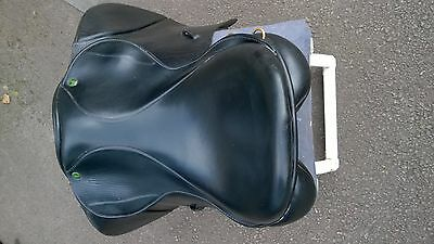 """Ideal"" VSD, 17"" Wide fit black leather saddle"