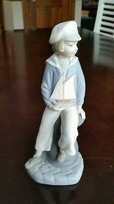 Lladro Boy with Yacht  #4810 Matte Finish RETIRED Mint