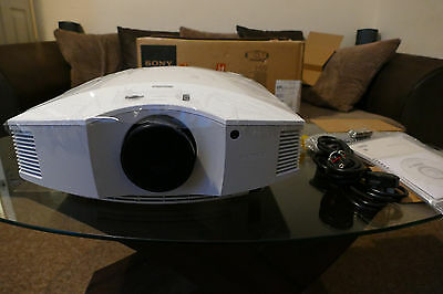 Sony VPL-HW40ES Home Cinema Projector  SXRD Full HD 3D 1080p