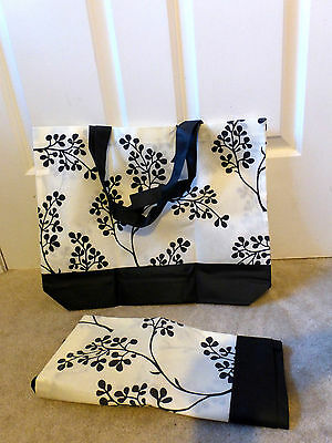 Reusable Tote Shopping Bags Lot of 2 Black White Floral New