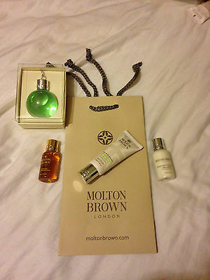 Molton Brown 5 Piece Gift Set 75Ml Bauble S Gel  Hand Cream Body Lotion & Bag